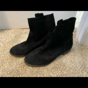 SOLE SOCIETY SUEDE SLOUCHY ANKLE BOOTS